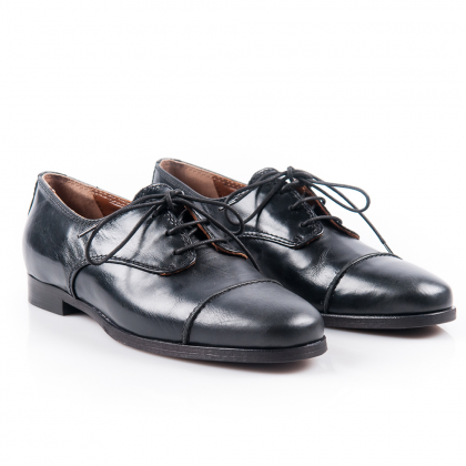 black-leather-brogue-shoe