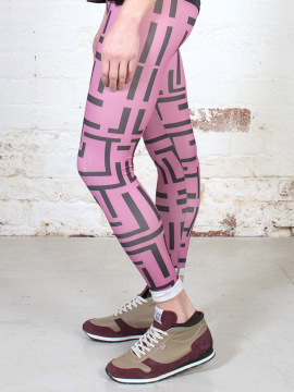 Antiform Leggings in Pink Geo