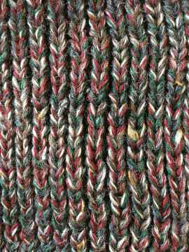 antiform-fisherman-knit_grey-green-red