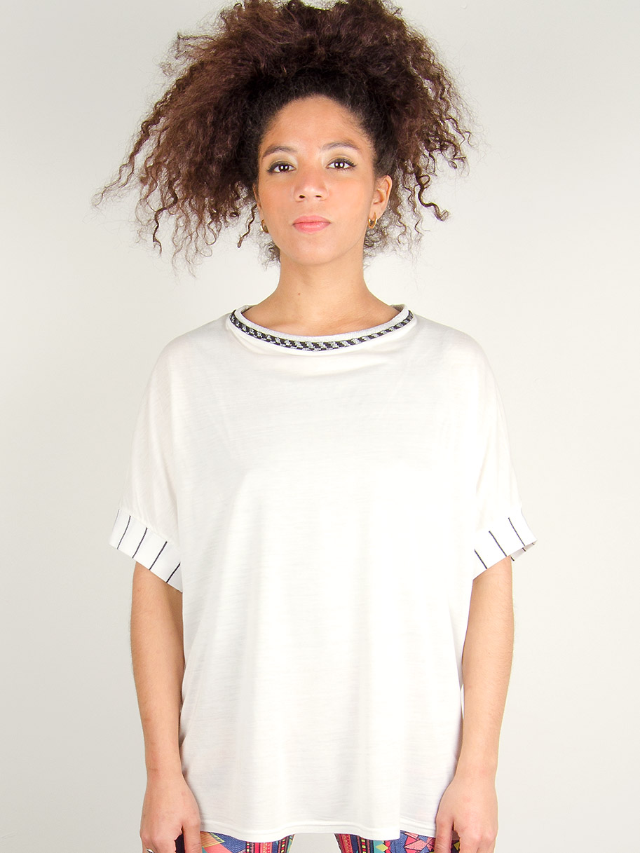 Antiform Oversized T White Optic
